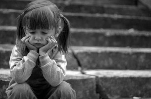 nena-triste
