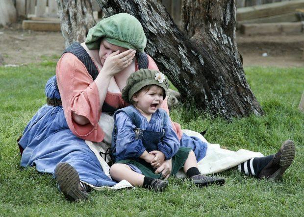 mujer y niño