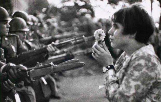 Fotografía de Henri- Carter Bresson , la paz se expande.