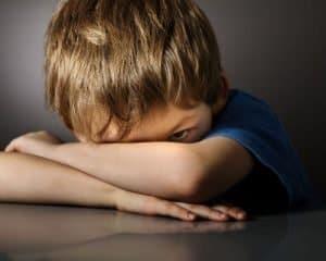 hermandadblanca org ninosmaduros 300×240.jpg - ¿Estamos realmente ante niños fuertes y maduros? por Nancy Erica Ortiz - hermandadblanca.org