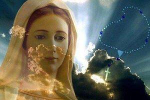 Ruego de María a permanecer en sus oraciones para la iluminación de la humanidad
