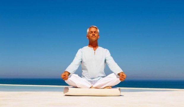 20170129 pilarmktvaz2984773 id121704 los venenos de la meditacion somnolencia y dialogo interior Hombre meditar - Los venenos de la meditación: somnolencia y diálogo interior - hermandadblanca.org