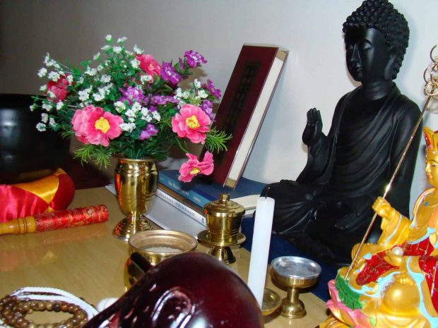 20170303 pilarmktvaz2984773 id123150 y que son las sadhanas sutras o sastras altar - ¿ Y qué son las Sadhanas: Sutras ó Sastras? - hermandadblanca.org