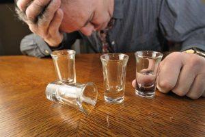 20170415 willyhern39164 id124663 sindrome de abstinencia alcoholica - SÍNDROME DE ABSTINENCIA, ¿QUÉ ES?, ¿POR QUÉ SE PRESENTA? Y CARACTERÍSTICAS - hermandadblanca.org