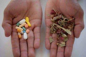 Medicina natural y el riesgo de caer en manos de charlatanes.