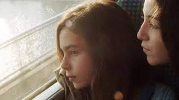 Estas cinco chicas no pueden ver con claridad el futuro de sus vidas.