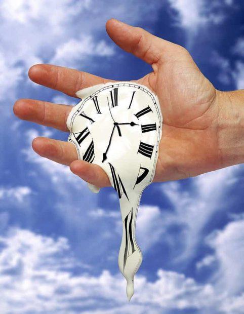 20170520 gonzevagonz23596 id125956 time melt phil degginger - Reflexión: la importancia no se mide por el tiempo. - hermandadblanca.org