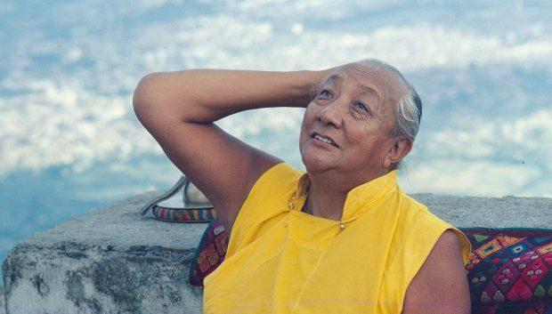 Kyabje Dilgo Khyentse Rinpoche Nepal - LO JONG: Algunos versos para el Adiestramiento Mental - hermandadblanca.org