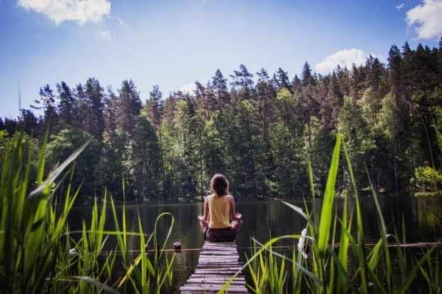 20170620 jorge id128109 meditacion naturaleza lago paz armonia - ¡Armoniza tu exterior, Equilibra tu interior! - hermandadblanca.org