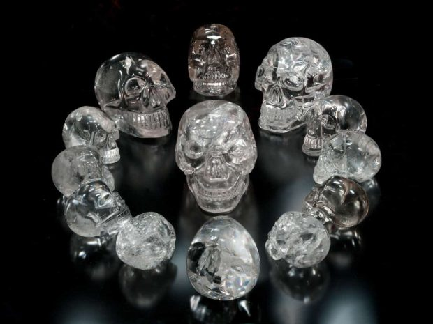 20170704 kikio327154 id129014 Impossible things crystal skull - Canalizaciones: Tres Mensajes de ascensión del divino RA - hermandadblanca.org