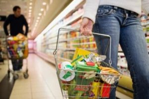 Compras inteligentes con consciencia: 4 consejos para no desperdiciar recursos.