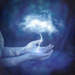 20170722 willyhern39164 id129879 aura azul 300×300.jpg - Aura Azul, el Color del Aura que expresa la Verdad - hermandadblanca.org