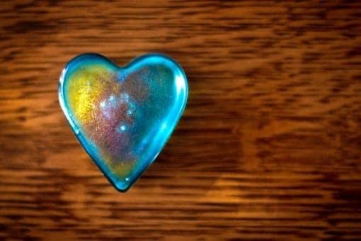 Lo que hay en el interior de nuestro corazón crea nuestra experiencia exterior de la vida