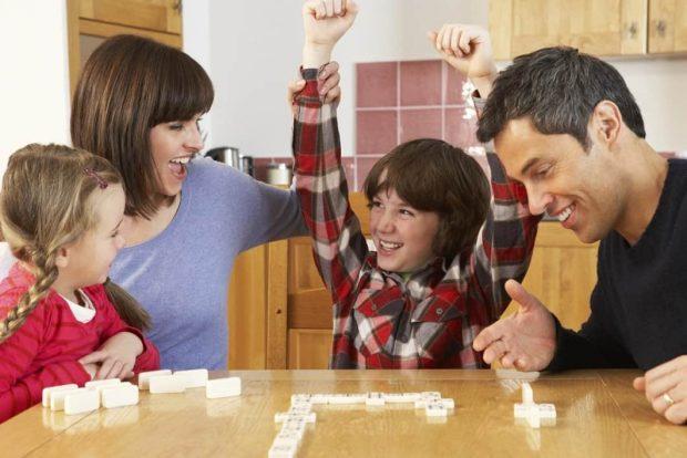 20170903 kikio327154 id131662 imagen 4 - Unidad familiar. Juegos de mesa para la felicidad. - hermandadblanca.org