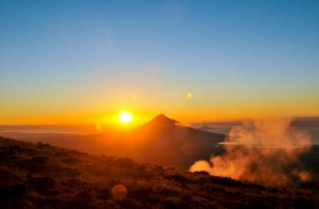 20170904 carolina396 id131743 Sunrise Of A Mountain With Lake And Mist - Acepta la prosperidad: 3 maneras para comenzar a recibir la abundancia - hermandadblanca.org