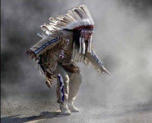 20170909 john25398sclyve id131914 indio danza lluvia - Que está pasando en el Mundo? El final de los tiempos? - hermandadblanca.org