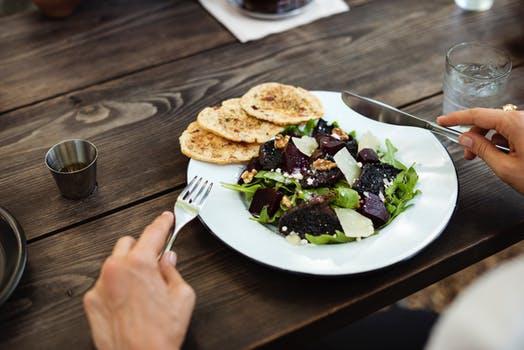 20170928 carolina396 id132995 pexels photo 407293 - Veganismo ¿es muy difícil cambiar a una dieta vegana? 7 consejos para empezar - hermandadblanca.org