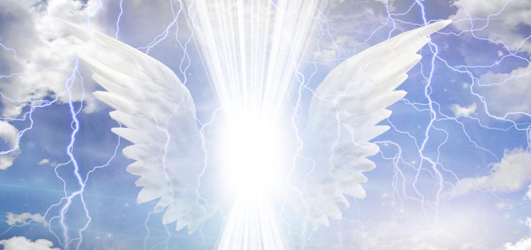 20171030 carolina396 id134427 765 360 angelic being obscured 1496756067 - Los siete arcángeles y su significado - hermandadblanca.org
