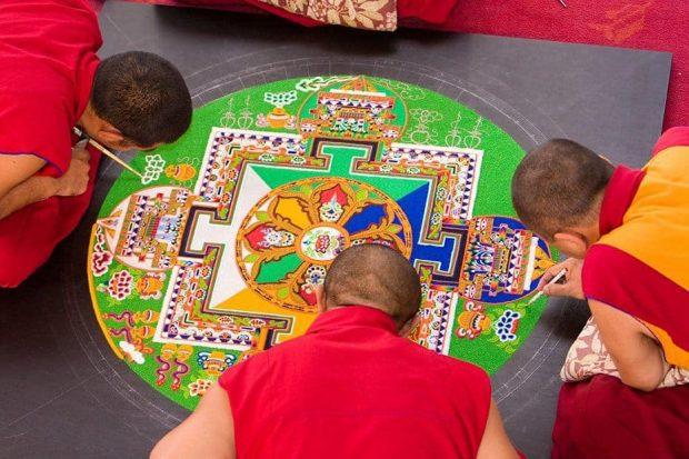 20171126 willyhern39164 id135535 monje mandala 1470651191 - Mandalas: Potentes Círculos Sagrados de Extraordinario Poder y Magia - hermandadblanca.org
