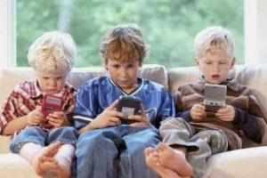 ¿Cómo afectan los Teléfonos Móviles la Interacción en los Niños, si no es Acompañado por la Literatura?