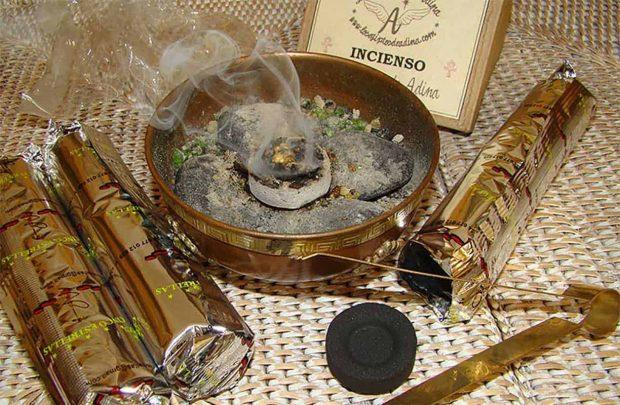 20171211 willyhern39164 id136081 incienso - Rituales para el 24 de diciembre, Recibe Bendición, Éxito y Prosperidad en esta Navidad - hermandadblanca.org