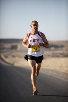 20171218 carolina396 id136378 runner marathon military afghanistan - St. Germain: Parto Final Y Cruce De La Línea De Meta.... Segunda Parte - hermandadblanca.org