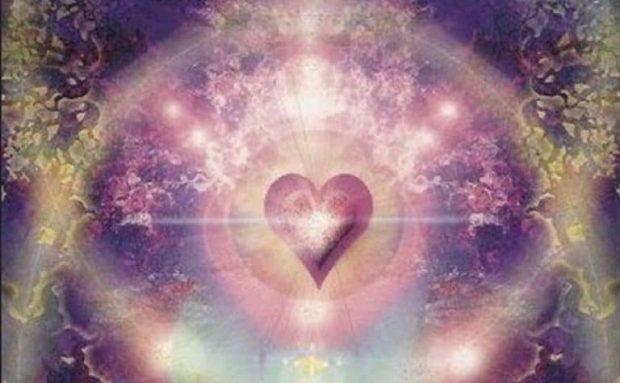 20171212 lurdsarm381562 id136136 maria amor inmaculado 620×383.jpg - Mensaje de María. Reina en el Cielo y en la Tierra - hermandadblanca.org