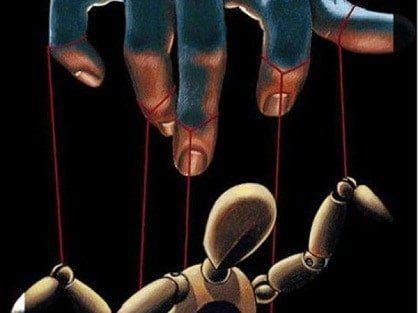No seas más una marioneta en manos de nadie