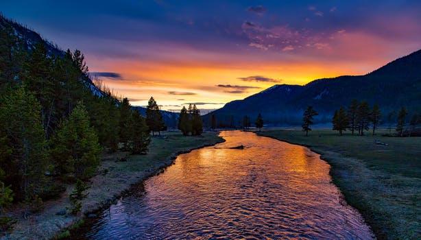 20180116 carolina396 id137080 yellowstone national park sunset twilight dusk 158489 - Mensaje del Maestro El Morya : La expansión de tu canal - hermandadblanca.org