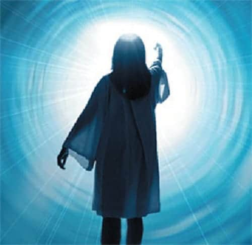 20180121 willyhern39164 id137331 luz al final del tunel en las experiencias cercanas a la muerte ecm - Nuestro Querido Maestro Saint Germain nos recomienda este Ejercicio para antes de Dormir - hermandadblanca.org