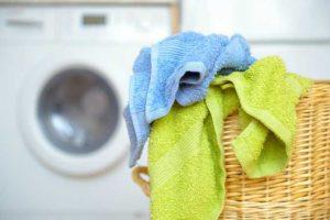 Aprovechando materiales viejos: Haz un tapete de toallas para tu cuarto de baño
