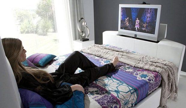id146605 2 - Televisor en la recámara ¿sí o no? - hermandadblanca.org