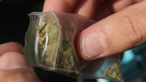 id147939 1 - Qué hacer si descubres que tu hijo consume drogas - hermandadblanca.org