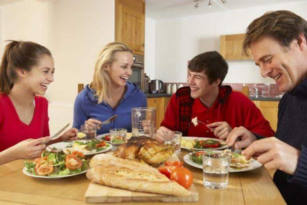 id147951 1 - Reuniones de familia: situación ideal para solucionar conflictos - hermandadblanca.org