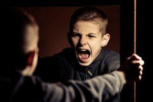 Evita que los niños adopten influencias negativas del entorno