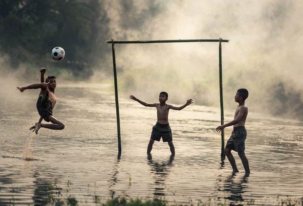 conoces cual es tu mision en la vida4ninosjugandoalfutbol ¿conoces cuál es tu misión en la vida?– por roberto pérez – pa ID153935 - hermandadblanca.org