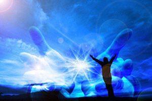 Abre los ojos y a través de tu pensamiento pasarás a vibraciones más elevadas