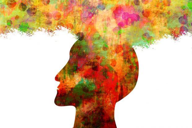 hombre con su cerebro expandido en sabias que usamos todo el cerebro y no el 10 por ciento ¿sabías que usamos todo el cerebro y no el 10 % por ciento? ID156995 - hermandadblanca.org