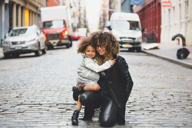 mama e hija en dicscuto con mi hijo adolescente que puedao hacer discuto con mi hijo adolescente ¿que puedo hacer? ID155897 - hermandadblanca.org