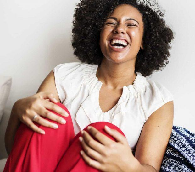 mujer feliz en felicidad a que edad somos mas felices felicidad ¿a que edad somos más felices? ID156997 - hermandadblanca.org