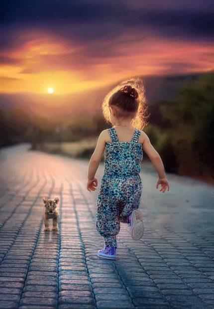 nina corriendo a su perrito en en entusiasmo existencial p4 entusiasmo existencial – por roberto pérez – parte 4 – come ID155293 - hermandadblanca.org