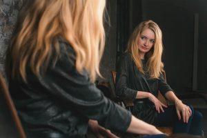 La Ley del Espejo: Lo que podemos aprender de nosotros mismos a partir de los demás