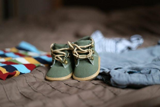 zapatos ropa del bebe que no nacera duelo perinatal parte 2 duelo perinatal – parte 2 ID160389 - hermandadblanca.org