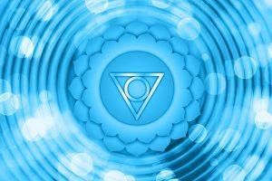 Chakra de la Garganta: Nuestro centro del lenguaje, la inspiración y conexión con lo metafísico