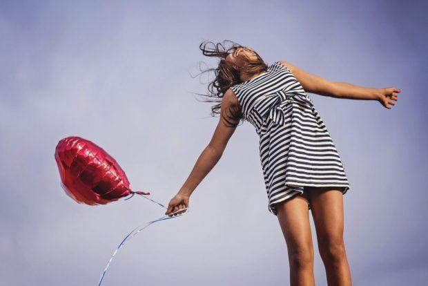 chico con globo feliz en descarga gratuita de libro de pilotajes de prosperidad descarga gratuita de libro de pilotajes de prosperidad ID168694 - hermandadblanca.org