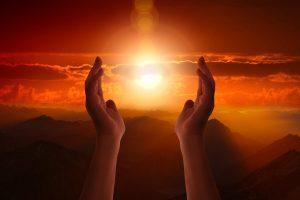 Decretos Espirituales: Eleva tus intenciones al Universo para una vida más plena