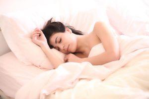 Oración para Dormir Bien: Cómo despedir el día de la mejor manera y prepararnos para una noche de descanso