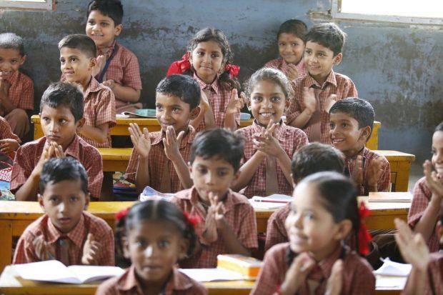como ser un buen lider de familia ninos en escuela felices ¿como ser un buen líder de familia? ID170946 - hermandadblanca.org
