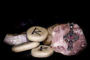 Runa Gebo: Leyenda mitológica y significado de las antiguas runas vikingas