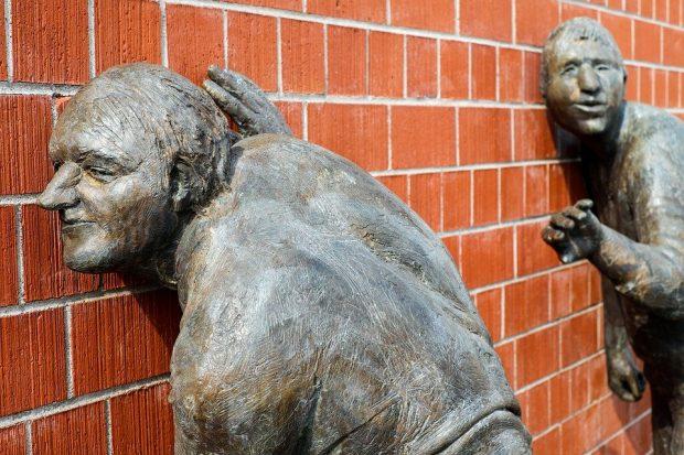 escuchar arcángel miguel: la mayor prisión del ser humano ID172700 - hermandadblanca.org